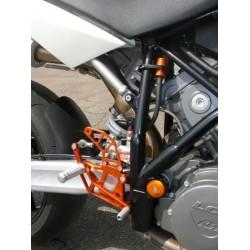 PEDANE ARRETRATE FISSE 4-RACING PER KTM SUPER DUKE 990 (cambio standard e rovesciato)